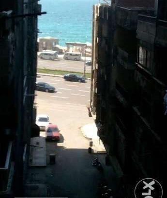 للبيع شقة ترى البحر بجوار المحروسة و طابية سيدى بشر
